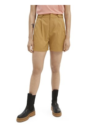 CHINO WITH PLEATS - Shorts - sand