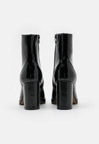 ONLY SHOES - ONLBERRIE BOOTIE - Korte laarzen - black - 3