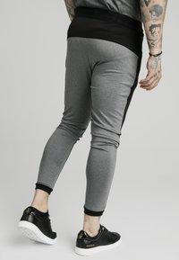 SIKSILK - ENDURANCE TRACK PANTS - Pantaloni sportivi - grey/black - 4