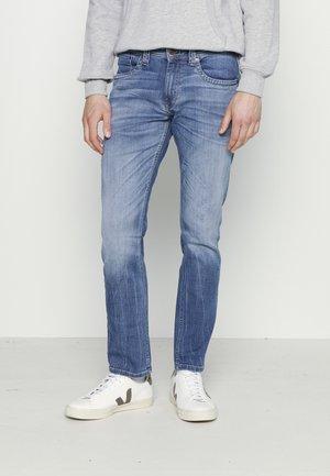 CASH - Jeansy Slim Fit - light blue denim