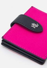 Lauren Ralph Lauren - CROSSHATCH CARD - Peněženka - nouveau bright pink - 3