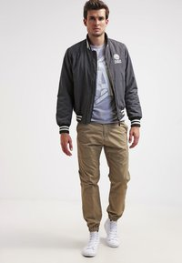 Carhartt WIP - MARSHALL COLUMBIA - Trousers - leather rinsed - 1