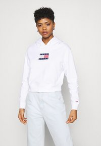 Tommy Jeans - AMERICANA BADGE HOODIE - Sweat à capuche - white - 2