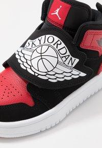 Jordan - SKY 1 UNISEX - Basketball shoes - black/white/gym red - 2