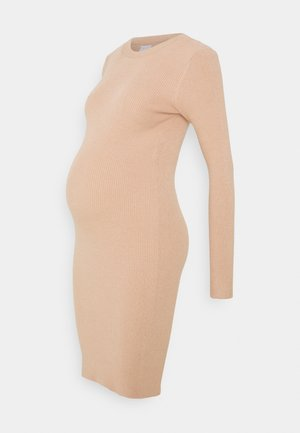PCMPENNY O NECK DRESS - Vestido de punto - warm taupe