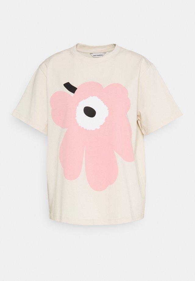 VAIKUTUS UNIKKO - T-shirts print - beige/rose