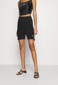 adidas Originals - LOUNGEWEAR SHORTS - Shorts - black - 0
