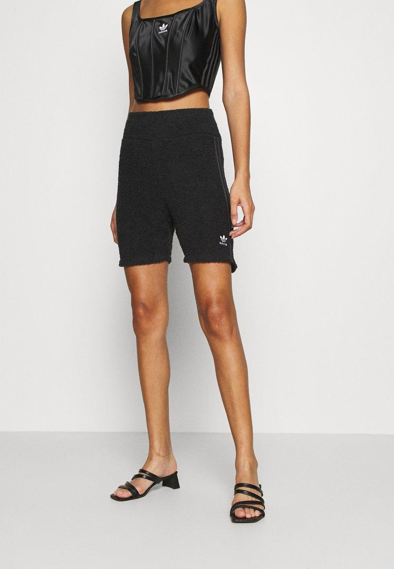 adidas Originals - LOUNGEWEAR SHORTS - Shorts - black