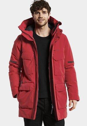 DREW USX  - Winter coat - rot