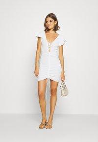 Missguided - RUCHE FRONT MIDI DRESS - Shift dress - white - 1