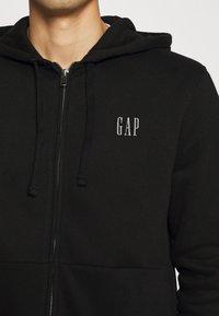 GAP - MICRO LOGO - Zip-up hoodie - true black - 5