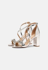 Dorothy Perkins - SHOWCASE BUTTERFLY - Sandals - silver - 2