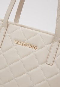Valentino by Mario Valentino - OCARINA - Handbag - ecru - 3