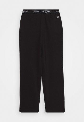 LOGO WAISTBAND WIDE PUNTO PANTS - Tracksuit bottoms - black