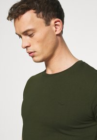 LTB - 2 PACK - T-shirts - bordeaux/ olive - 5