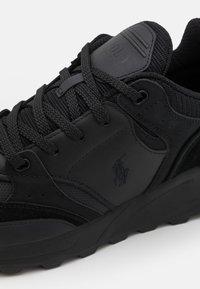 Polo Ralph Lauren - TRACKSTR 200 TOP LACE UNISEX - Trainers - black - 5