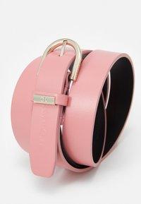 Calvin Klein - ROUND BELT - Belt - pink - 2