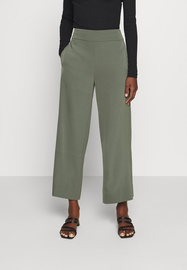 ZHEN CULOTTE PANT - Trousers - beetle green