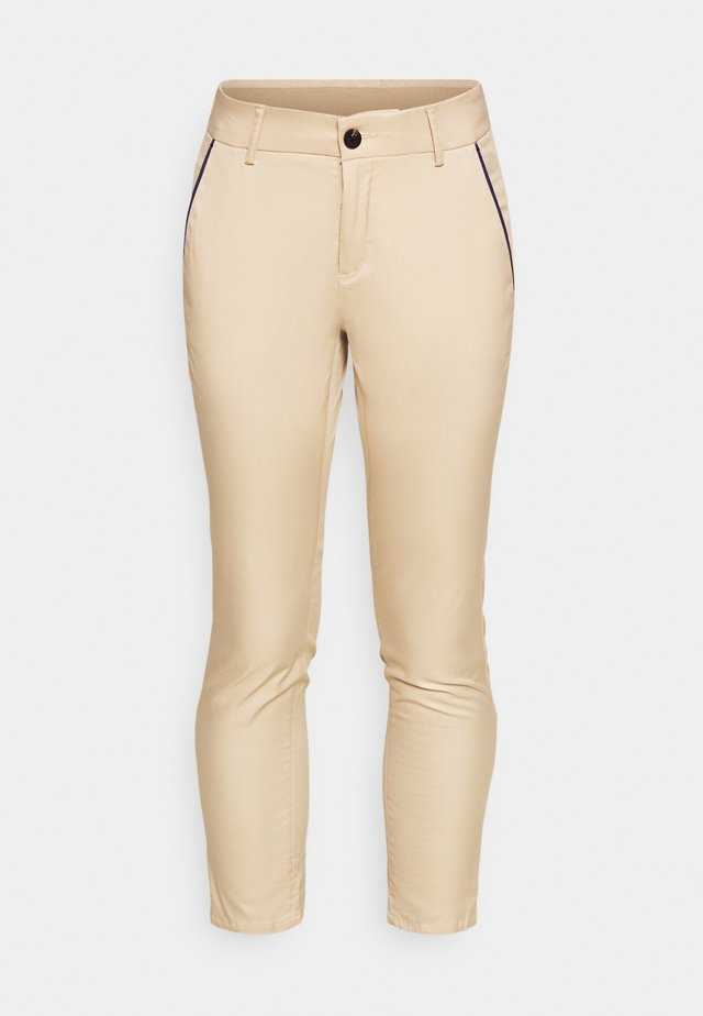 IVA 7/8 TECH PANTS - Pantalon classique - oxford tan