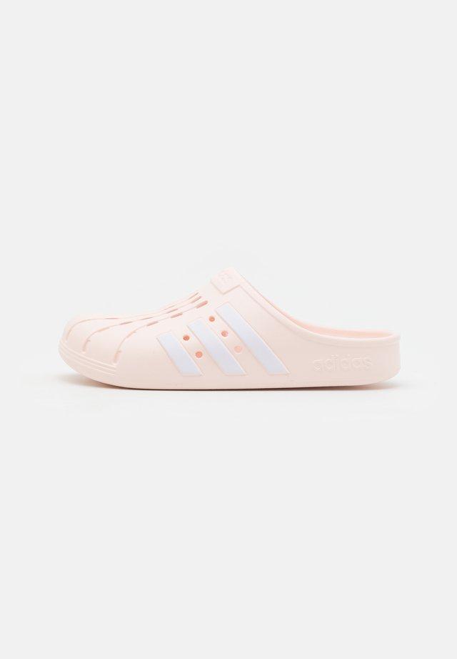 ADILETTE UNISEX - Badslippers - pink tint/footwear white