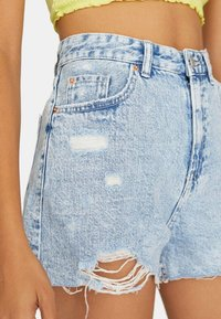 Stradivarius - Shorts di jeans - blue denim - 3