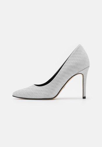 COURT SHOE - High heels - silver glam