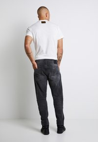 G-Star - SCUTAR 3D SLIM TAPERED - Jeans Tapered Fit - nero black stretch- antic charcoal - 3