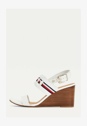 INTERLACE MID - Wedge sandals - ecru