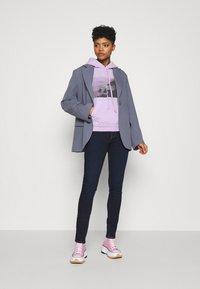 Levi's® - GRAPHIC HOODIE - Sweater - purple - 1