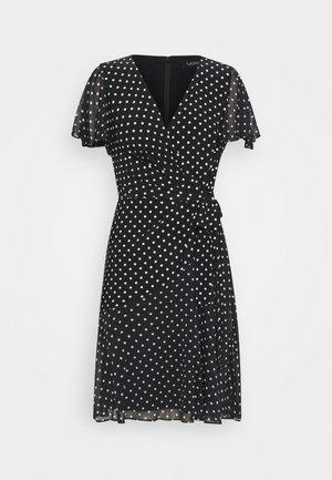 PRINTED DRESS - Žerzejové šaty - black