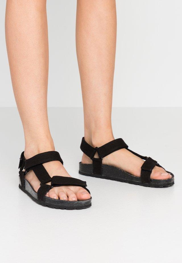 LEO - Sandaalit nilkkaremmillä - black