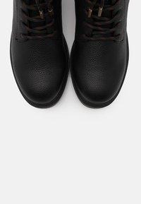 Mexx - FELICITY - Šněrovací kotníkové boty - black - 5
