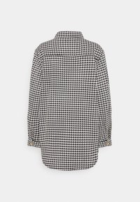 Missguided Tall - HOUNDSTOOTH - Button-down blouse - black - 1