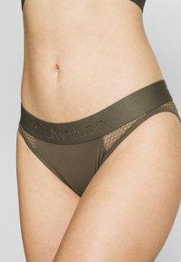 Calvin Klein Underwear - TONAL LOGO NEWNESS - Braguitas - army dust - 4