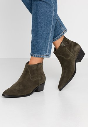 EVE - Ankle boots - bosco