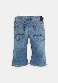 Mustang - CHICAGO  - Denim shorts - denim blue - 1