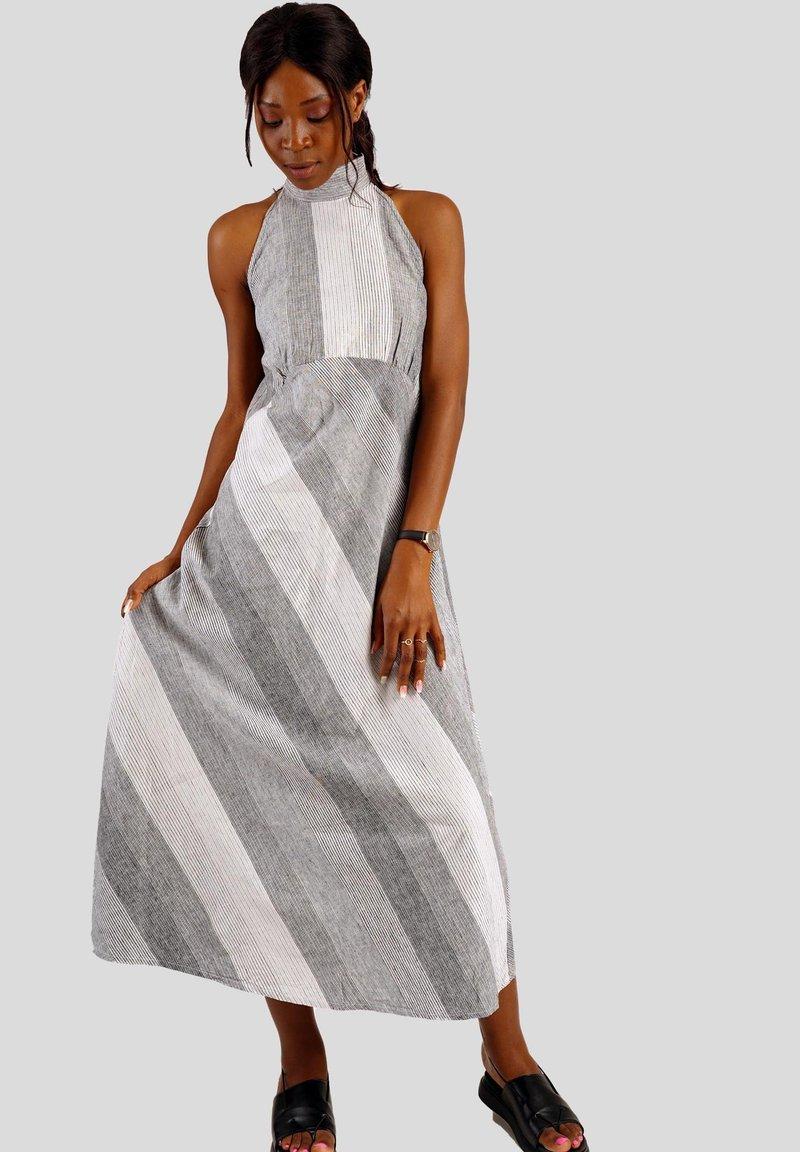 GESSICA - Maxi dress - schwarz und weiß