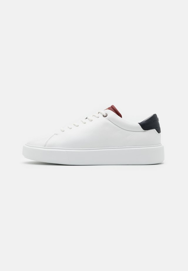 REFANS CUPSOLE TRAINER - Baskets basses - burnt red