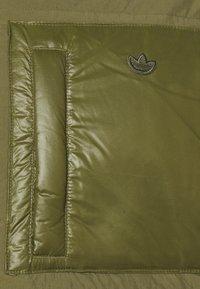 adidas Originals - PUFF LONG - Donsjas - focus olive - 7
