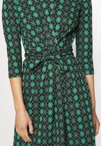King Louie - HAILEY DRESS ABERDEEN - Day dress - fir green - 6