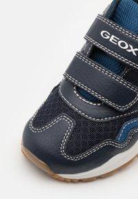 Geox - PAVEL - Tenisky - navy - 5
