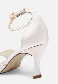 Menbur - Sandaler - ivory/gold - 5