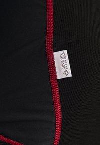 LÖFFLER - WINDSTOPPER® TRANSTEX® LIGHT - Funktionsshirt - black/red - 4