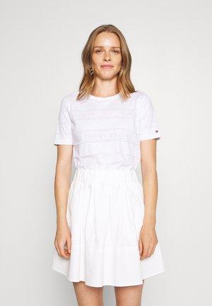 VIOLA - Print T-shirt - white