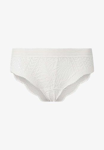Briefs - white