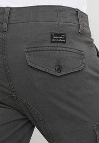Jack & Jones - JJIPAUL JJFLAKE  - Pantalon cargo - asphalt - 5