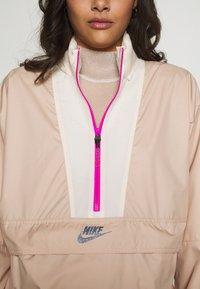 Nike Sportswear - Windbreaker - shimmer/pale ivory/fire pink - 6