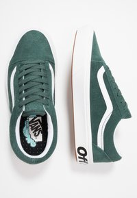 Vans - COMFYCUSH OLD SKOOL - Trainers - trekking green/true white - 1