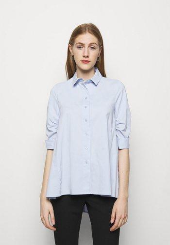 BENITA FASHIONABLE BLOUSE - Button-down blouse - sky blue