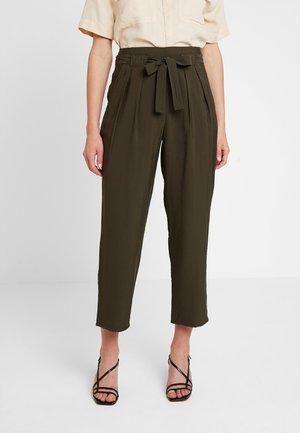 RUTH WRAP FRONT CASUAL TROUSER - Kalhoty - khaki